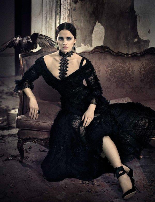 Emma pour le magazine vogue Italie. Originale, Emma est somptueuse :)