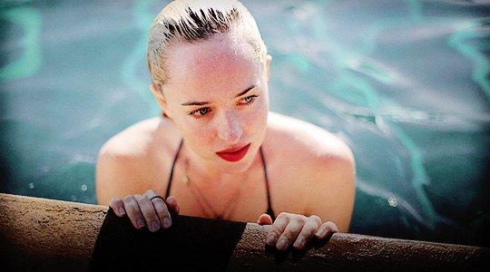 Jennifer a l'avant première américaine, sublime ! Un gros TOP + Dakota sur le Stills de à BIGGER SPLASH + nouveau poster de la 5eme vague avec la jolie Chloé .