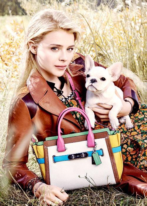 Kristen au festival de Sundance + Dakota a un talk show, sublime + Chloe pour la marque Coah, so pretty !