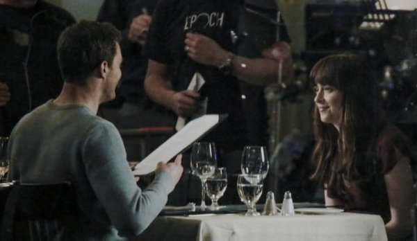 Jamie & Dakota sur le set de 50 nuances plus sombre. Part 2.