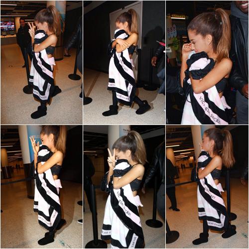LE 31/11 - Ariana a été vu à l'aéroport JFK de New York, et ensuite elle a été vu avec le Youtuber Hikakin!
