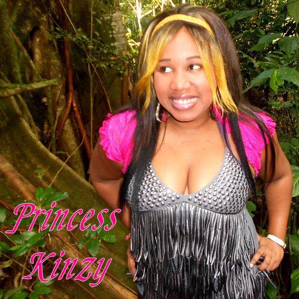 """Il était une fois .... Princess Kinzy """"Hold my hand"""""""