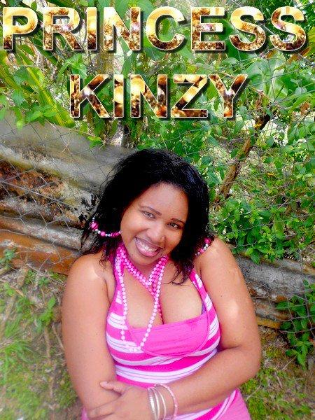 Princess Kinzy comme toujours très naturel !