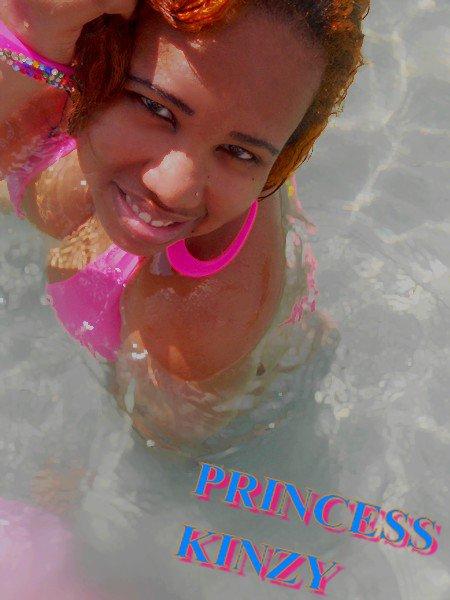 ★ ★ ★  princess kinzy pink a la plage - cheveux doré ★ ★ ★ ★ ★ ★