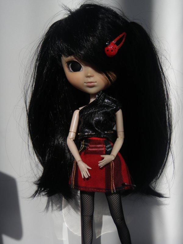 Noir profond... J'ai les yeux profondément noir...(2)