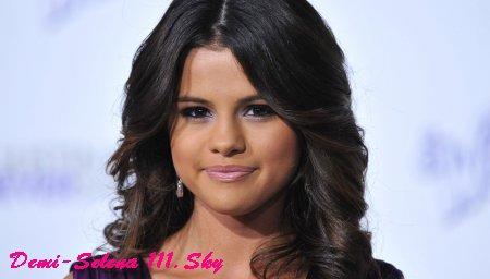 Selena Gomez -> Ça vous dirait d'apparaitre dans son prochain clip ?