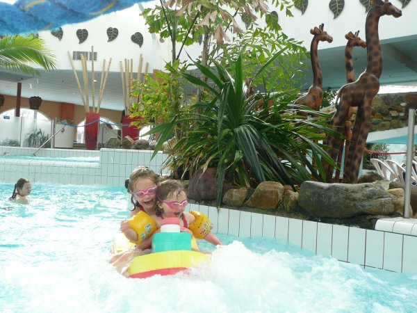 Center parc c t piscine vive l 39 aventure en famille for Piscine center parc