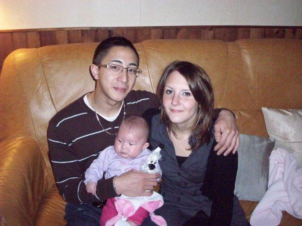 papa maman et bébé :)
