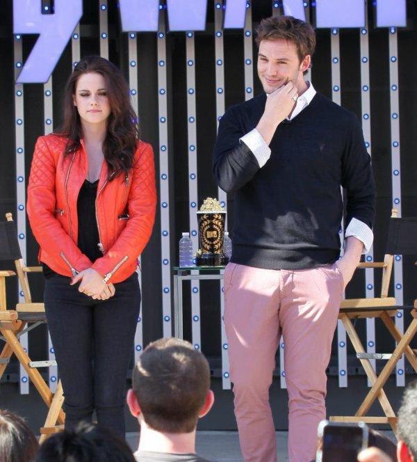 """. 29.05.2012 Kristen & Sam pour MTV """"Sneak Peek"""" + Présentation SWATH à Los Angeles ."""