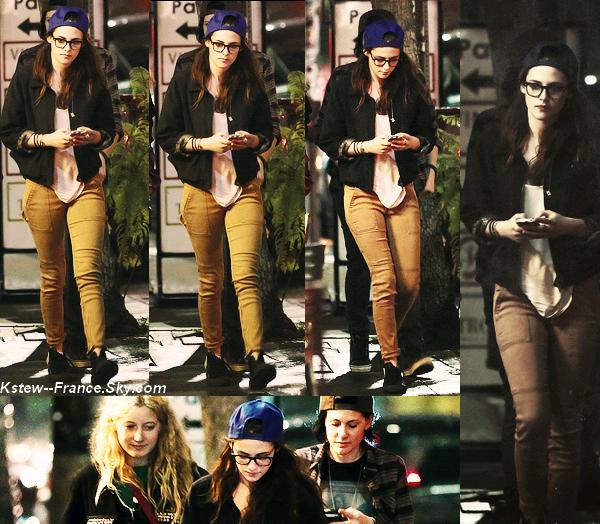 . 20.02.13  Kristen était vue avec ses amis en allant dans un resto de Sushi à Los Feliz.