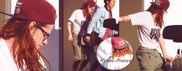 . 26.02.13 Kristen a été apperçue à Hollywood.