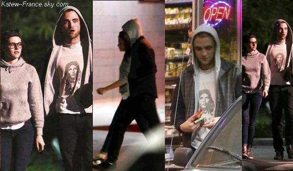 . 22.03.2013 Kristen et Robert ont été vu dans les rues de Los Angeles.