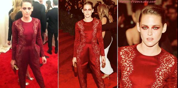 . 06.05.13 Kristen était au Met Gala 2013 a New York.