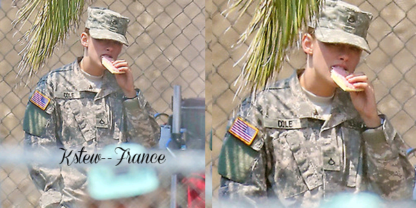 . 18.07.13 Le tournage de Camp X-Ray continue .