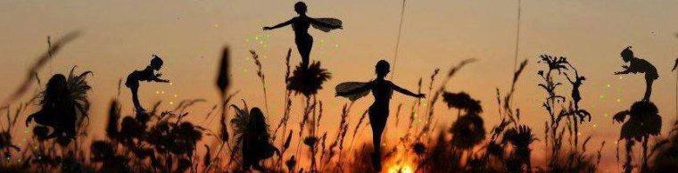 """Chaque brin d'herbe possède son ange qui se penche et murmure : Grandis, grandis !"""
