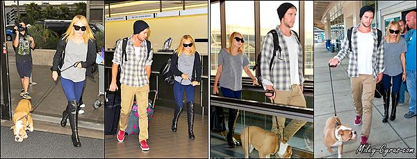 15 Juillet 2012 : Miley a été vu faisant du skateboard avec Liam à Los Angeles.