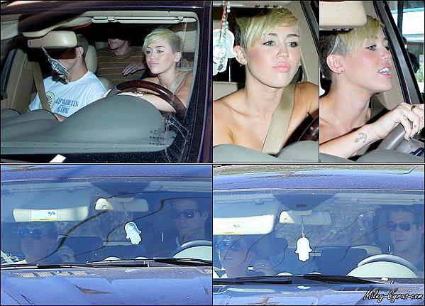 15.09.2012 : Miley et Liam ont été aperçus quittant le club Troubadour dans West Hollywood.