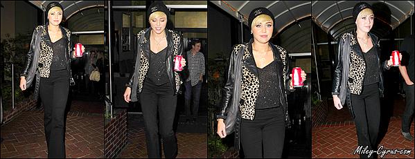 09.10.2012 :  Miley accompagnée de sa mère Tish s'est rendue dans un cabinet médical.