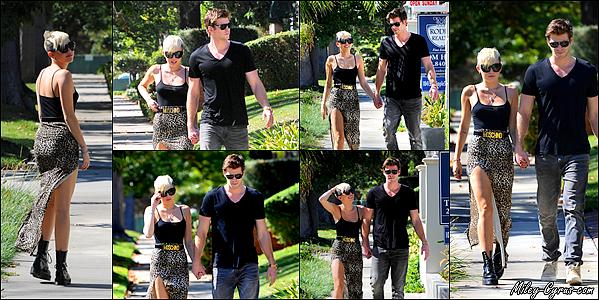 19.10.2012 : Miley et son fiancé Liam Hemsworth ont été repèrés à Studio City.