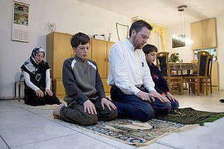 عشر أماكن لا يجوز الصلاة فيها ~ هل تعرفها ؟