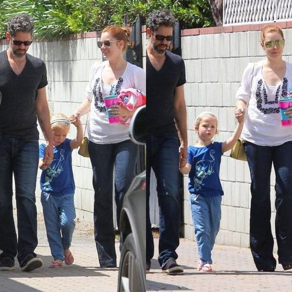 30 Mai 2015 | Amy et Darren emmenant Aviana à un cours de natation à Studio City