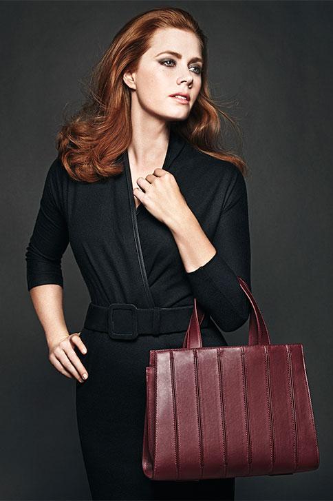 Deux photos d'Amy pour les accessoires Max Mara (automne-hiver 2015)