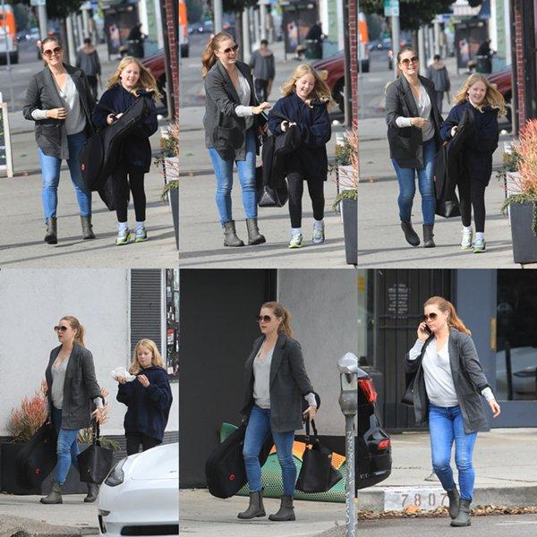 10 Fevrier 2020 | Amy en compagnie de sa fille à West Hollywood.