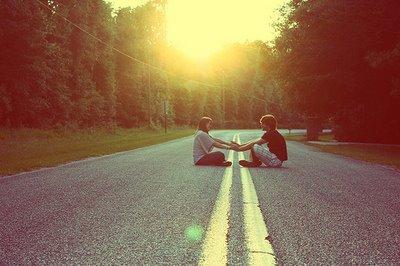 """""""Et si un jour, tu reviens vers moi, tu tomberas sur mon répondeur mais je reste une fille bien, j'te souhaite beaucoup de bonheur."""""""