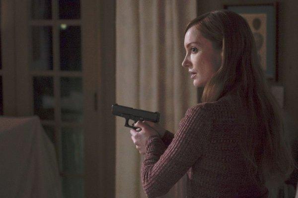 The Blacklist saison 3 épisode 19 ça sent pas bon pour Nik et qui est cette fille!