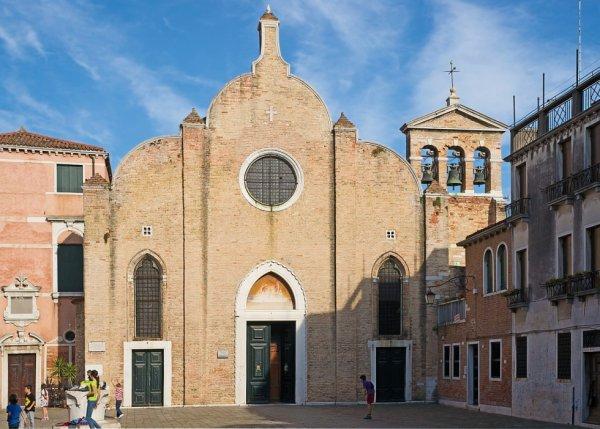 Sa Jeunesse(L'église San Giovanni Battista in Bragora où fut baptisé Vivaldi.)