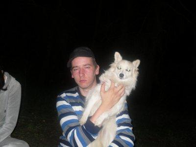 mwo et mon pti chien soiree ds les bois j etais mort