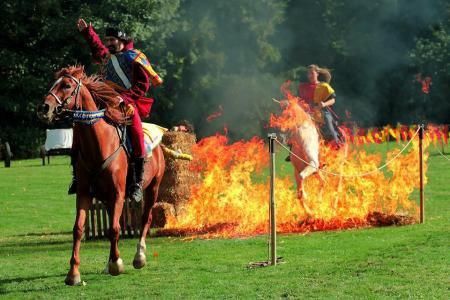 La traversée des chevaux dans le feu