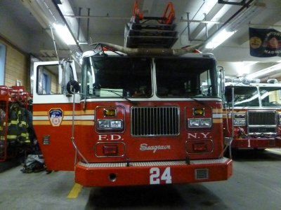 visite fire station ladders 24 et hook 1 fdny