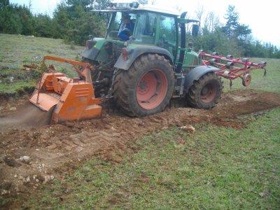 Agrandissement d'un champ étroit.(automne 2011)