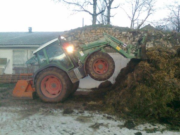 Moi qui fais le fou fou avec mon tracteur !!!!!!!