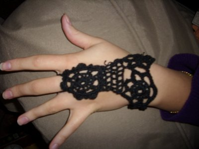 une décoration pour les mains  au crochet !