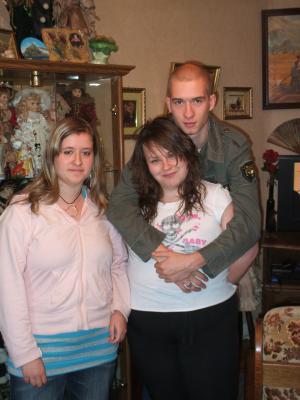 MOI , ELODIE & JESSY