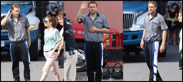 29.08.2018 : Charlie était avec Jessica Barden sur le tournage de  « Jungleland »  à Taunton dans le Massachusetts