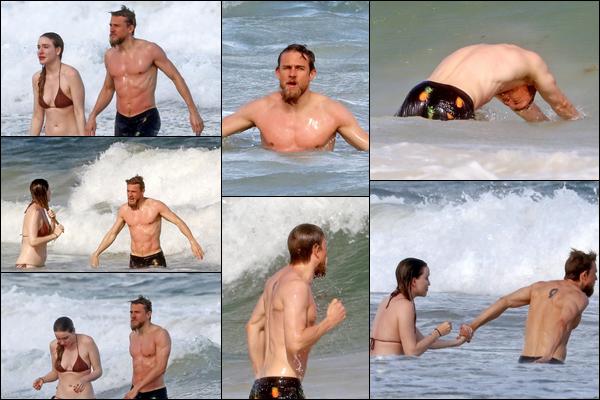 17.10.2018 : Charlie  et sa petite amie Morgana ont été de nouveau vu sur la plage de Mexico situé au Mexique