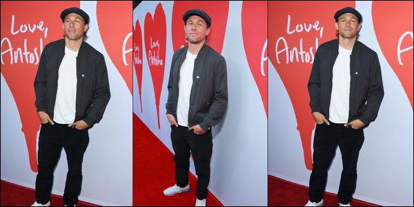 30.06.2019   ▬ Charlie Hunnam était à la première du documentaire «  Love, Antosha » situé à ▬ Hollywood.... Il s'agissait d'un documentaire sur la vie de Anton Yelchin Charlie était habillé très simplement mais c'était un top !
