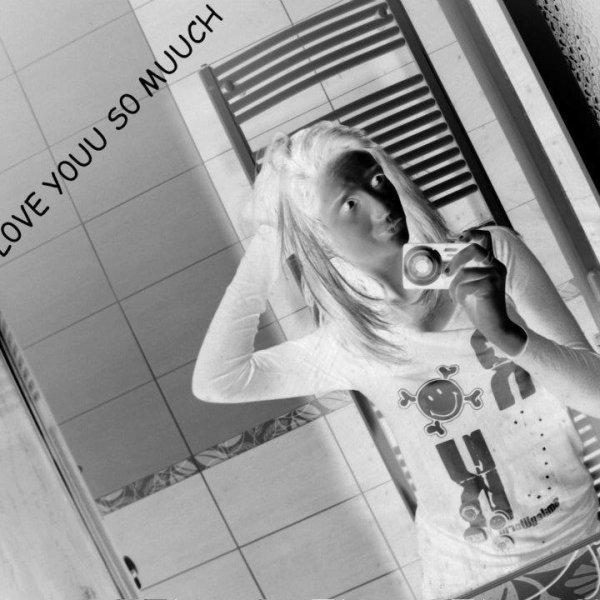 ~`La vérité ? La vérité c'est que tu me manques tellement que j'ai l'impression d'en crever tant ça fait mal. †. ♥