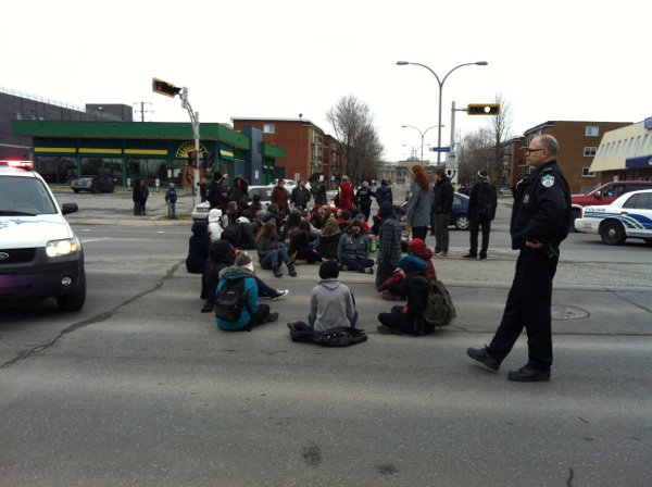 Manifestation assise
