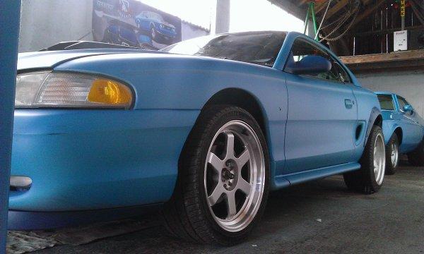 Plasti-Dip bleu fluo