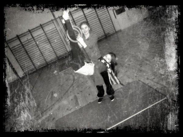 Koline Et Jennyfer En Gym * Delire Avc vous...