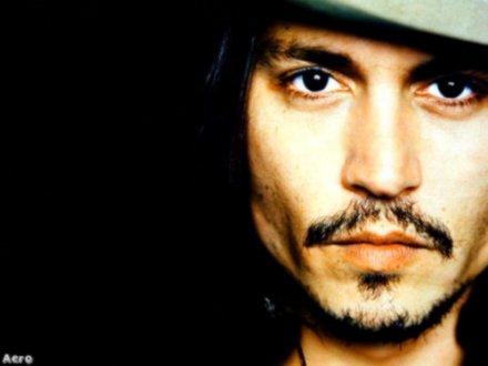 Image:Johnny Depp --Texte: Corine Hoex