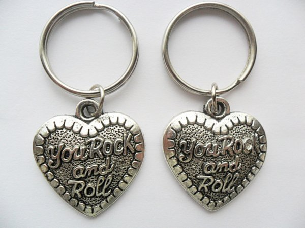 You rock and roll heart Best Friends boy friend girl friend friendship music silver tone key chain set.