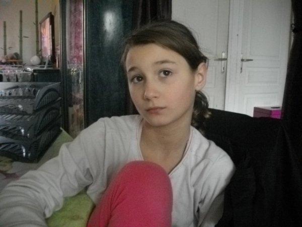 voici kimberley la fille de l amie que j adore aussi 3