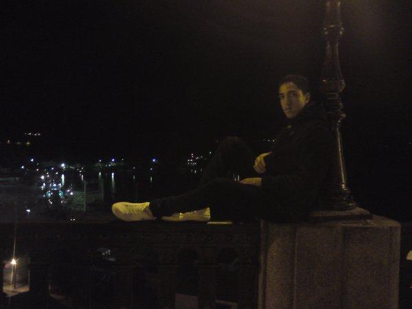 la plasse ghidans dans la nuit  _bejaia_