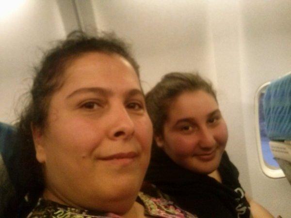 Ma mère et ma soeur dans l'avion