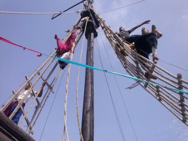 sur un bateau pirate en tunisie avec des animation et des animateur très gentil